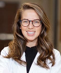 Stephanie Bollinger, FNP headshot