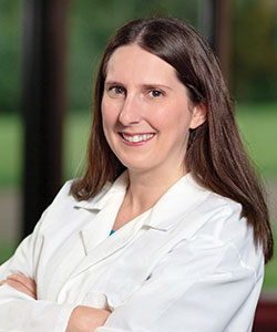 Stephanie Lind, MD headshot